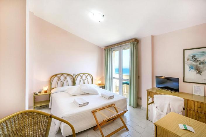Hotel Mida front sea and beach